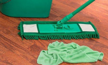 mop cleaning wood floor